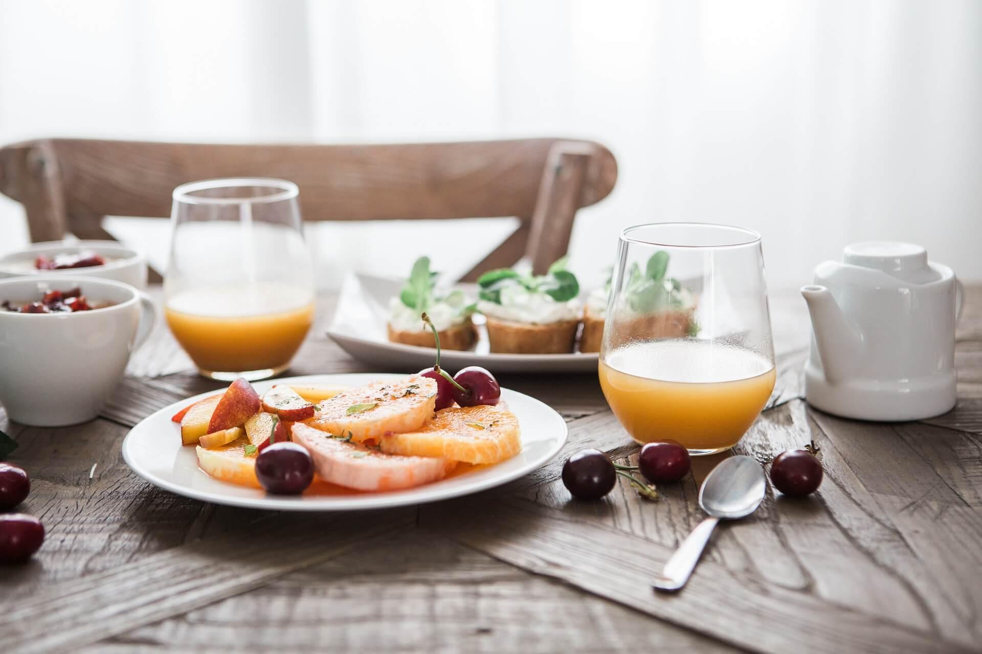 Ontbijten in een restaurant in Zandvoort